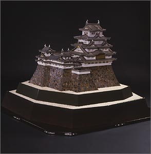 A replica of Himeji Castle, built from precious metals and pearls. Source: http://www.mikimoto-pearl-museum.co.jp/eng/sanpo/index.html